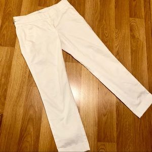 NEW YORK AND COMPANY White Capris